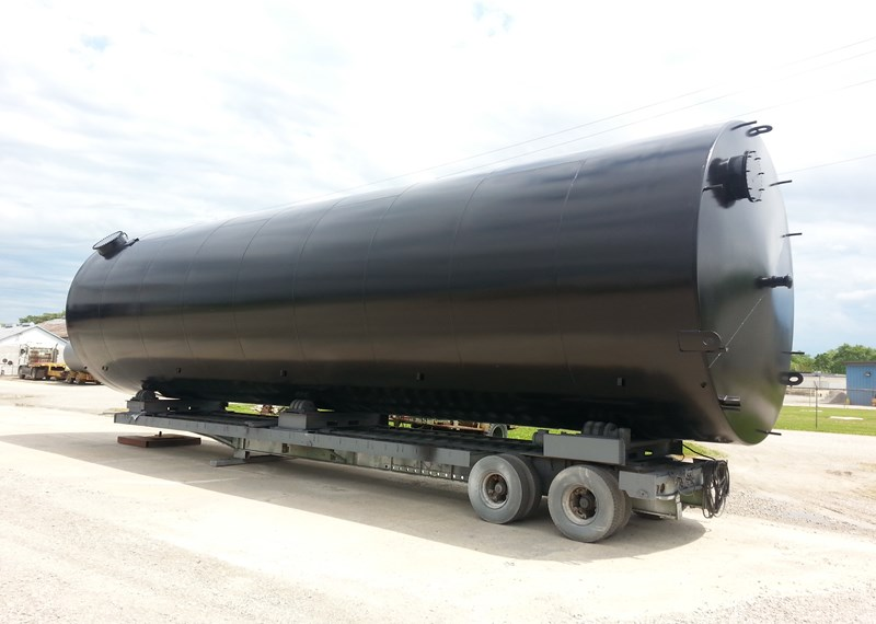 40000 Gallon Vertical Steel Storage Tank Painted With Ladder Top Gaurd Rail